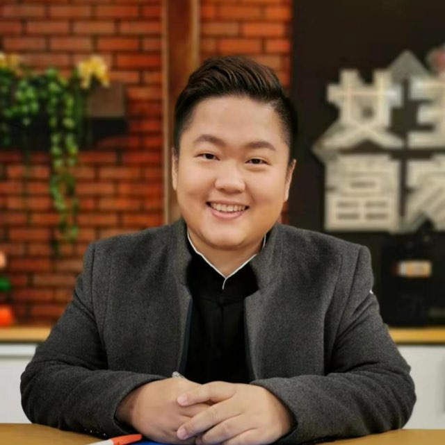 心靈占卜師紅牛🐮(17.live)