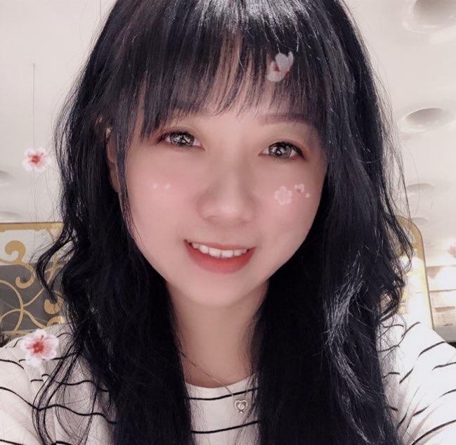 彩虹筱雨(17.live)