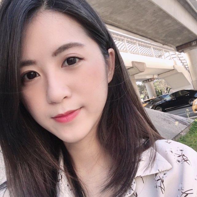 小白佩奇💞💞(17.live)